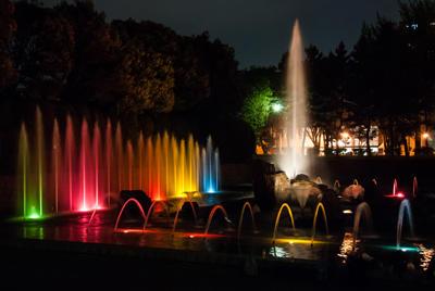 夜の音楽噴水の写真